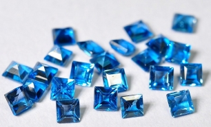 Topaz London Blue fasetowany kwadrat 3/3 mm