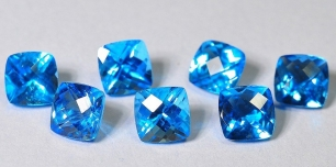 Topaz Swiss Blue fasetowany tv 7x7mm