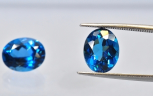 Topaz London Blue fasetowany ov 10x8mm