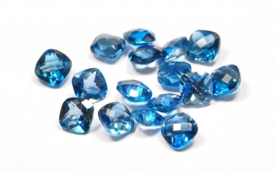 Topaz London Blue fasetowany tv 5x5mm